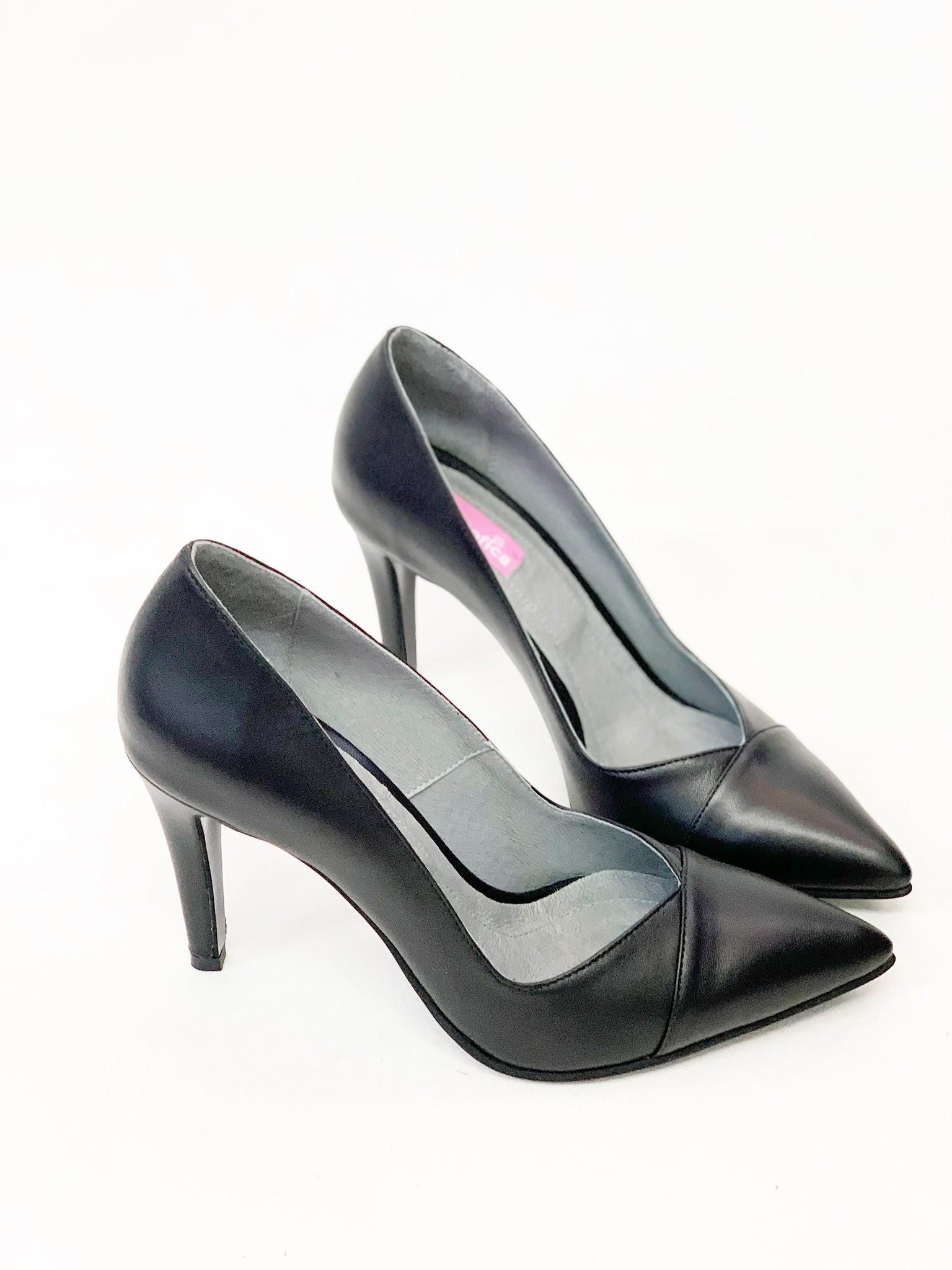 Pantofi Creed