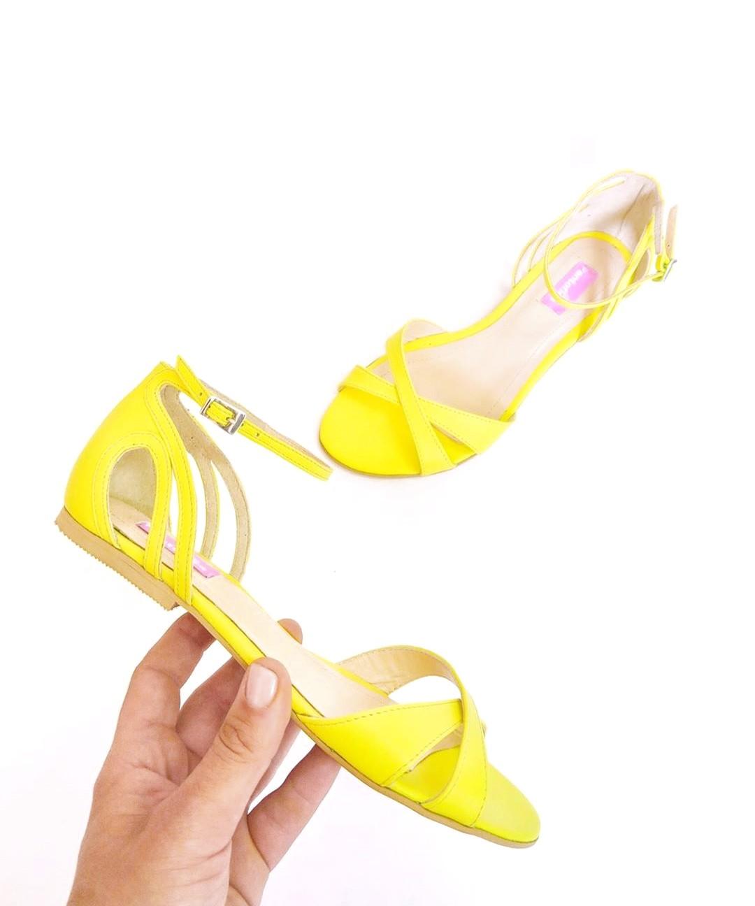 Sandale Creamy Color